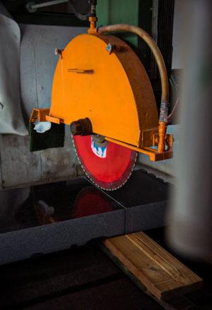 Grabsteine aus Premium Steinverarbeitung - Natursteinwerk Stocker